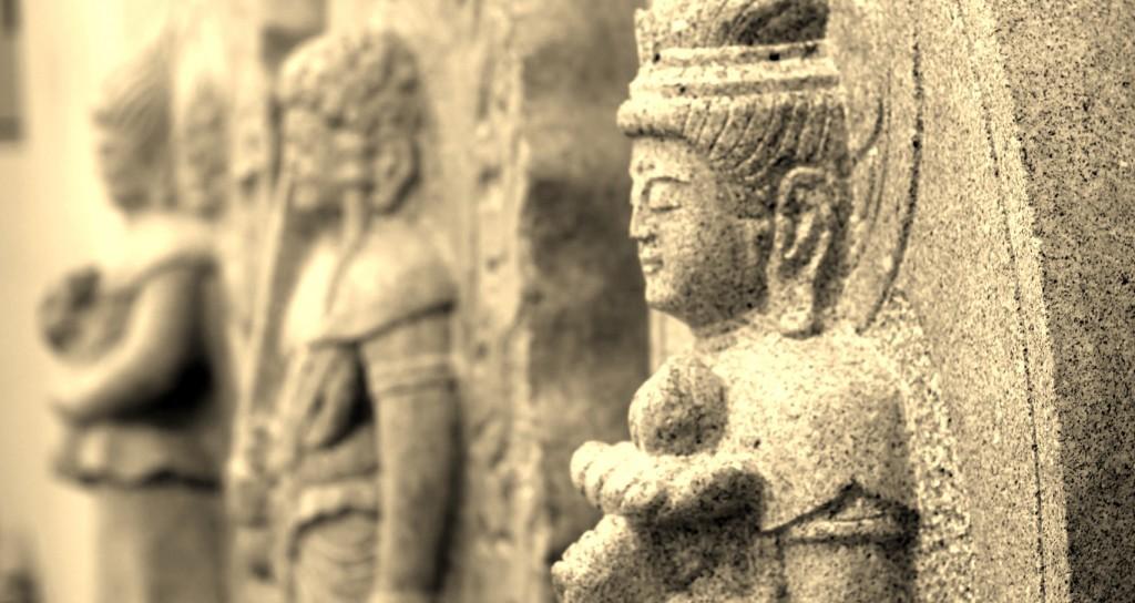 伝統工芸士が造る石仏