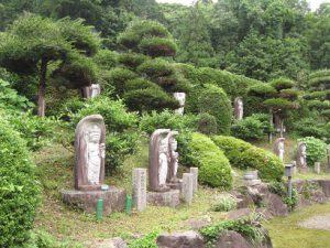 境内の石仏庭園