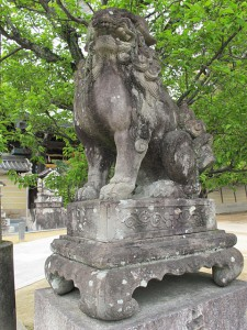 北野天満宮狛犬(東門鳥居前)|狛犬 (こまいぬ) |石彫刻 /石仏・ 狛犬・創作,|京都の石屋 芳村石材店