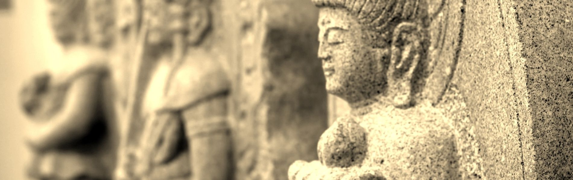 伝統工芸士・石材施工一級技能士が造る石仏