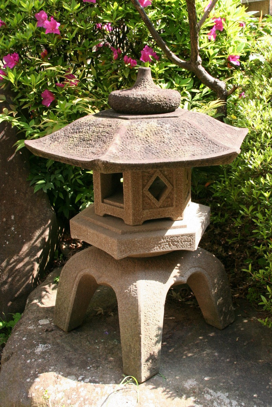 Hexagon Japanese stone lantern
