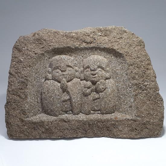 出雲石(来待石)のお地蔵様のレリーフ